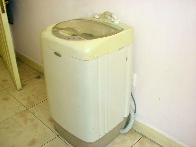 转让个人闲置海尔小神童洗衣机一台