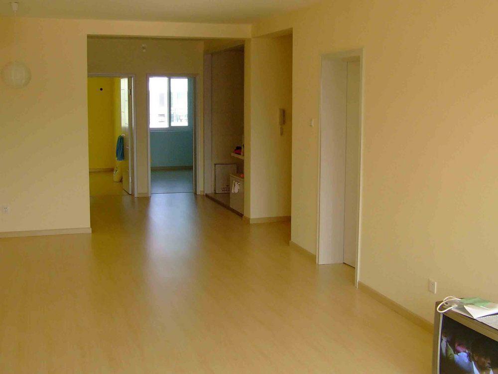 精装修好房三室两厅两卫出租!