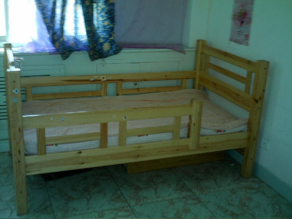 二手儿童床; 全新未用的儿童床低价转让!;