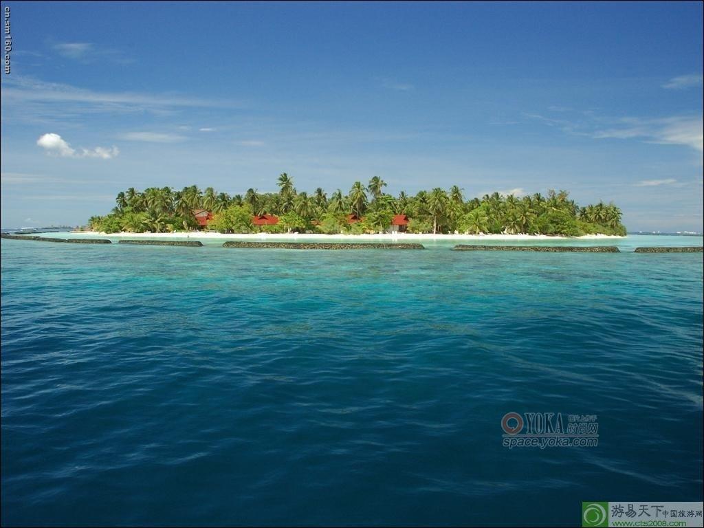 前往著名地标性风景,巴厘岛最富盛名的海中奇迹—海神庙(tanah lot)