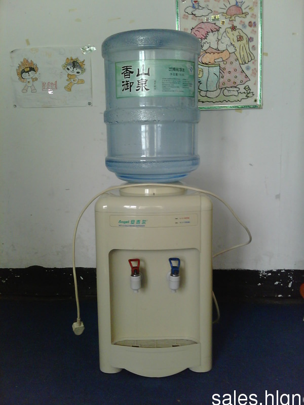 安吉尔台式饮水机 带2个水桶