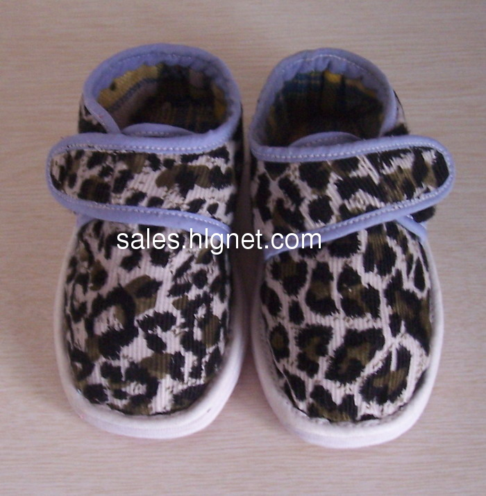 售漂亮纯手工宝宝鞋,千层底童鞋,有需要的妈妈进来看!