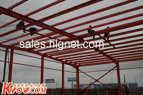 阁楼钢结构槽钢.角钢铺设最加尺寸是610mm*610mm,是根据细   木工板1.
